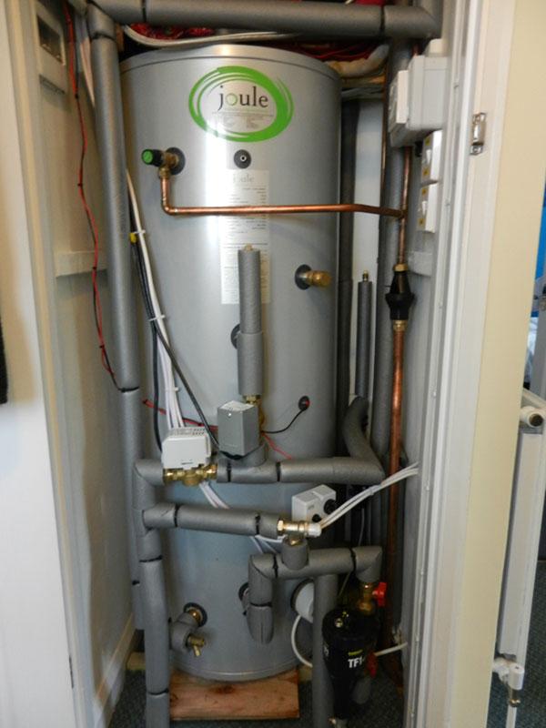 Unvented hot water storage cylinder installation